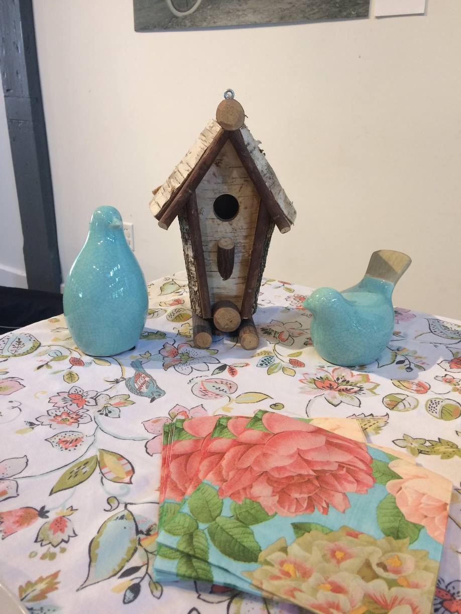 Birdhouse decorations